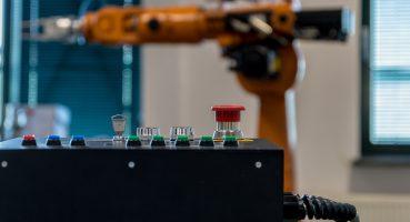Robotlar, 2030 yılına kadar '20 milyon fabrika işinin yerini alacak'
